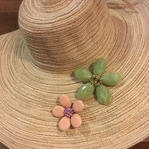 💍Jewelry - Flower pins with a boho-chic look